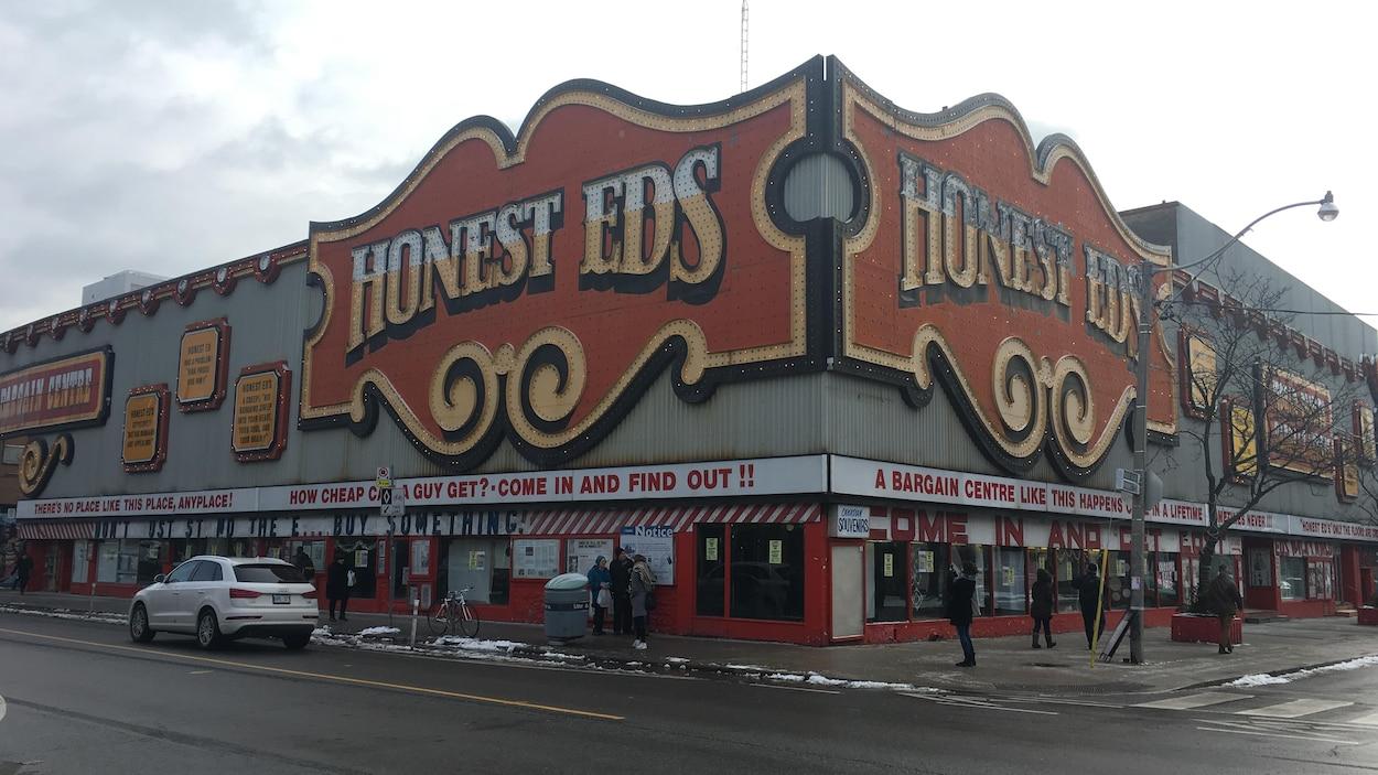 Le magasin  Honest Ed's à Toronto