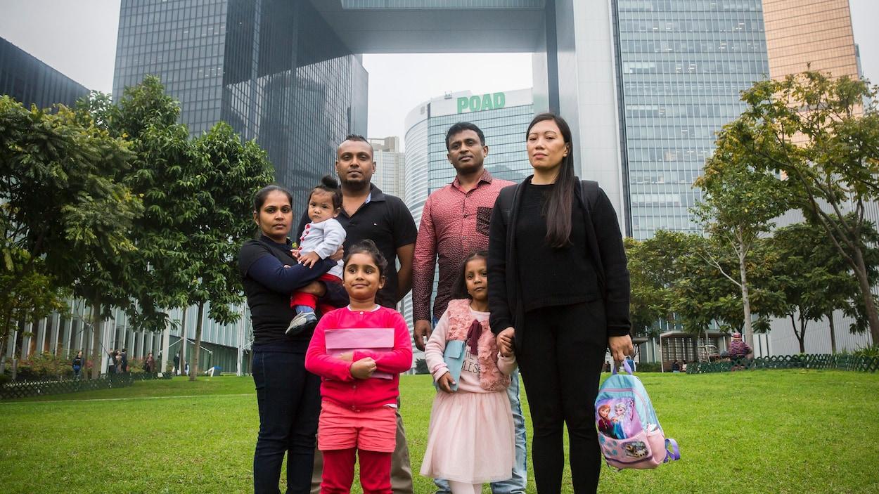 Membres des familles de Hong Kong qui veulent se réfugier au Canada.