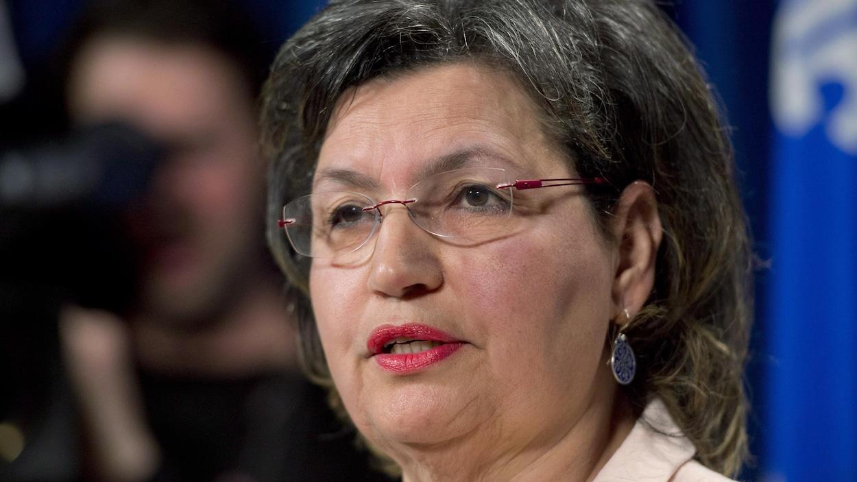 Fatima Houda-Pepin, alors qu'elle annonçait sa candidature indépendante dans La Pinière, en mars 2014, à l'Assemblée nationale du Québec.