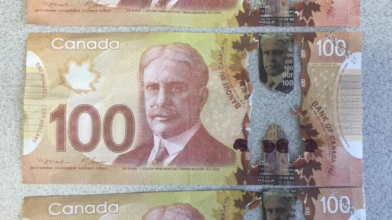 Des billets de banque contrefaits