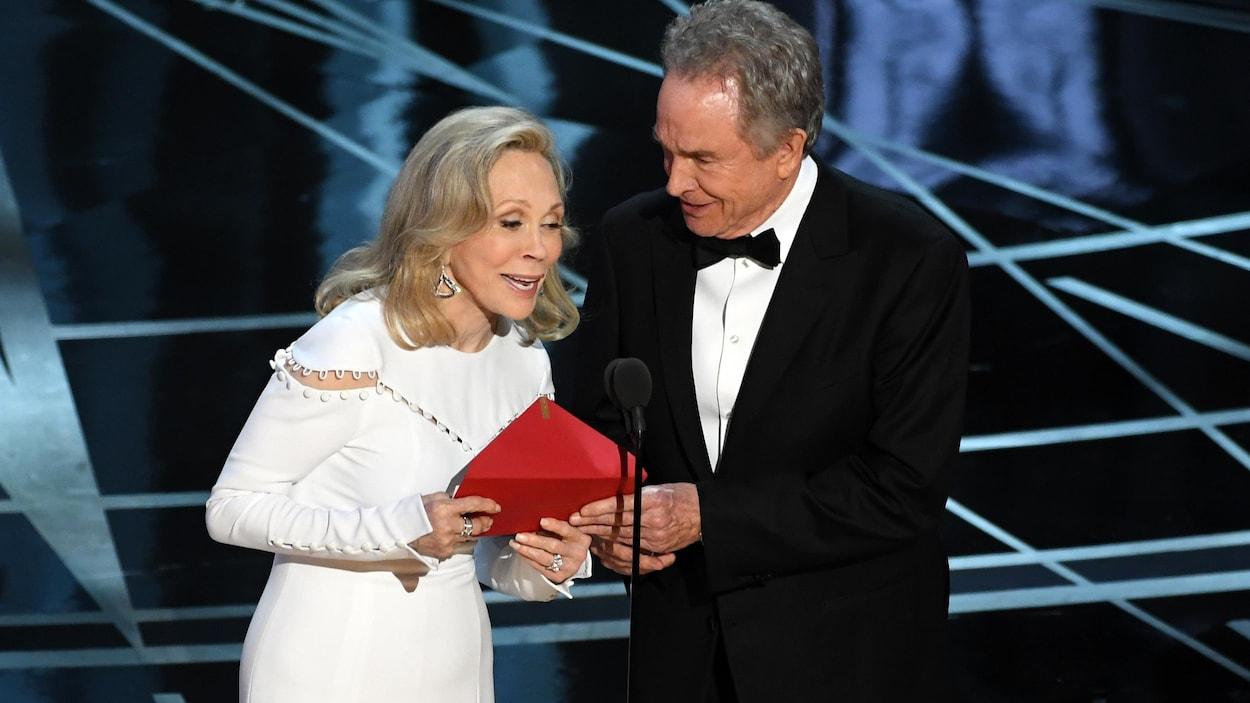 Prise 2 : Faye Dunaway et Warren Beatty remettront encore l'Oscar du meilleur film