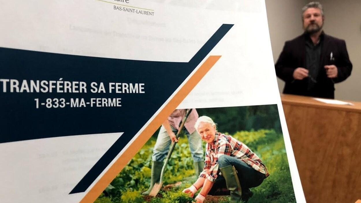 Le président de la Table de concertation bioalimentaire du Bas-Saint-Laurent Gilbert Marquis au lancement de l'outil « Transférer sa ferme ».