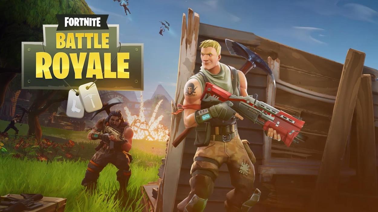 Une capture d'écran du jeu Fortnite: Battle Royale montrant un personnage portant une arme d'assaut adossé à un mur pendant qu'un autre s'approche avec son arme pointée vers le mur.