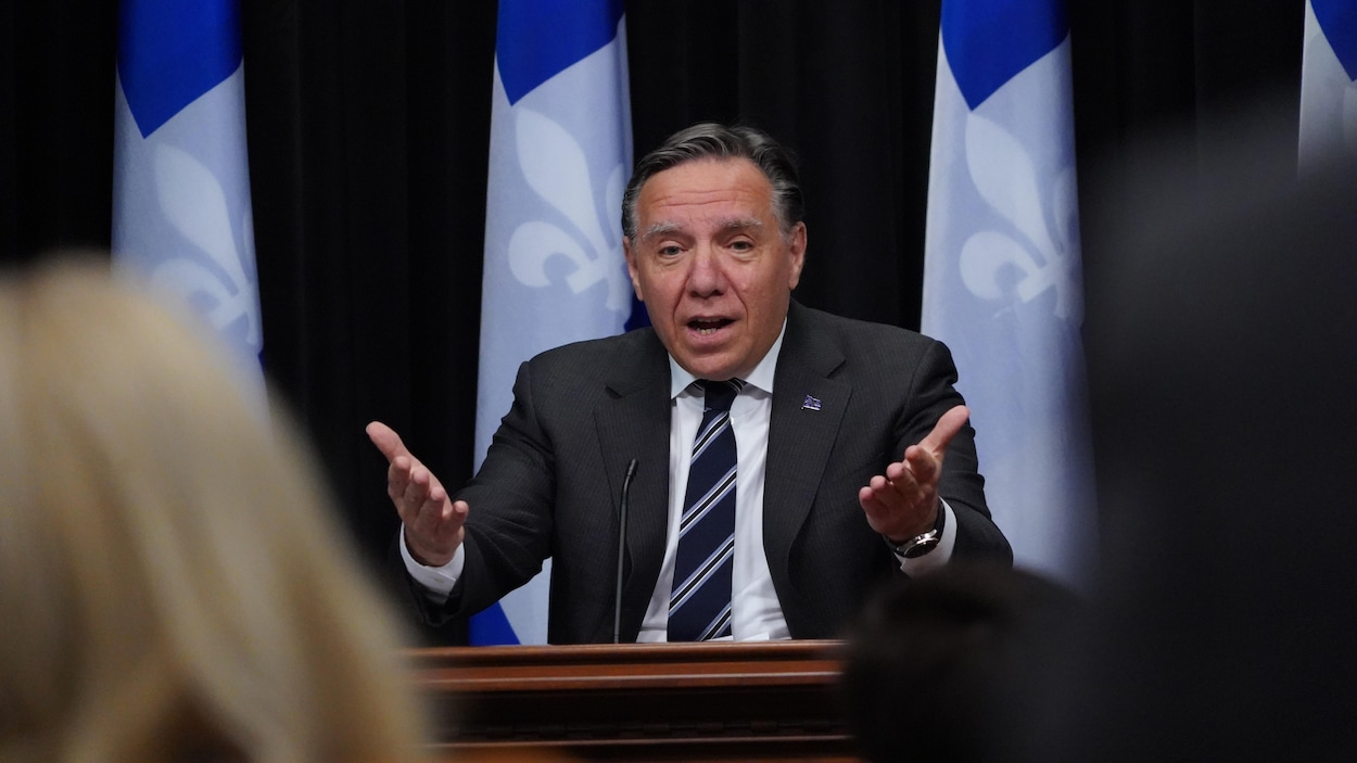 François Legault en point de presse.