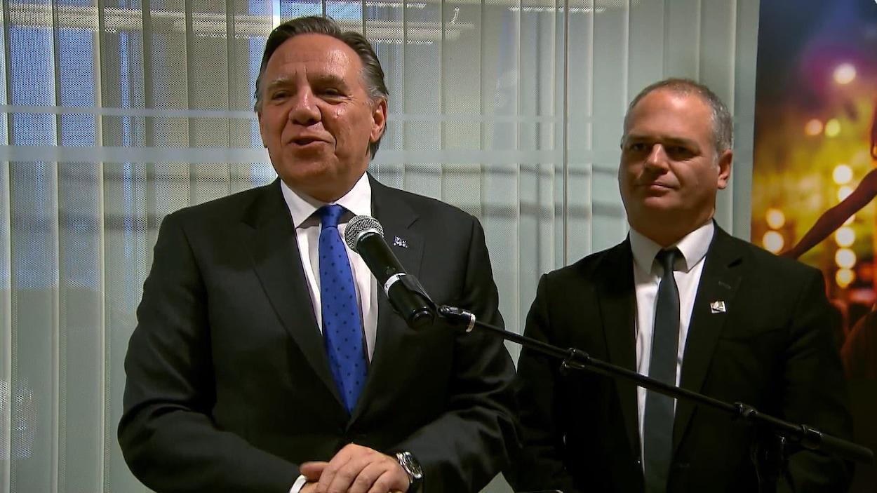 Le premier ministre François Legault a fait un voyage à Boston en compagnie du ministre québécois de l'Énergie et des Ressources naturelles, Jonatan Julien.