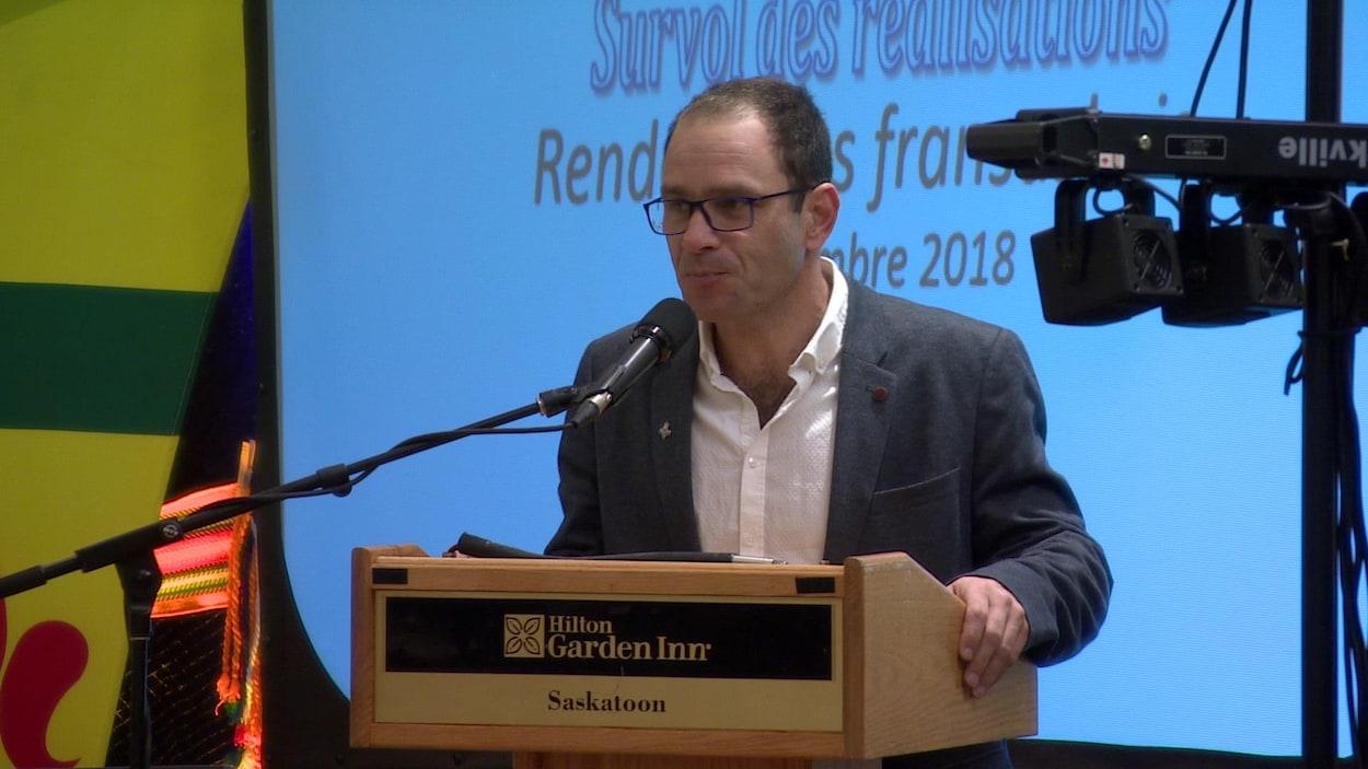 M. Dupré a animé la présentation des rapports de chacun des organismes fransaskois.