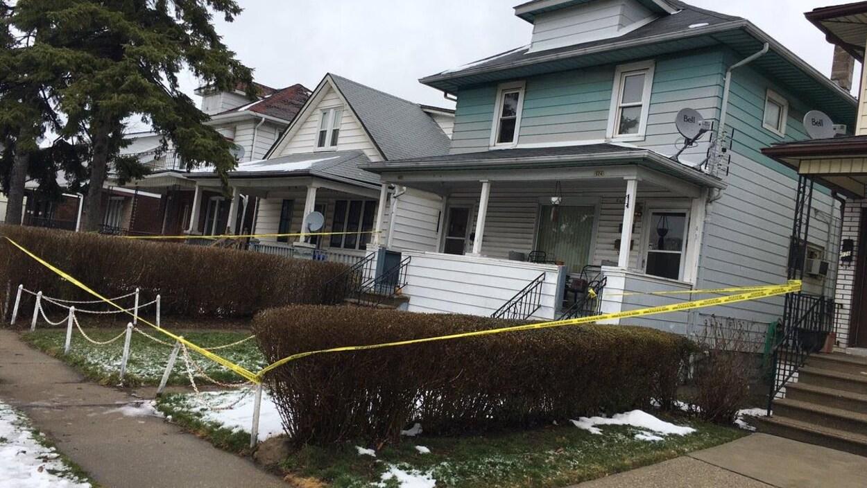La fusillade est survenue dans cette résidence de l'avenue Elsmere Nord.