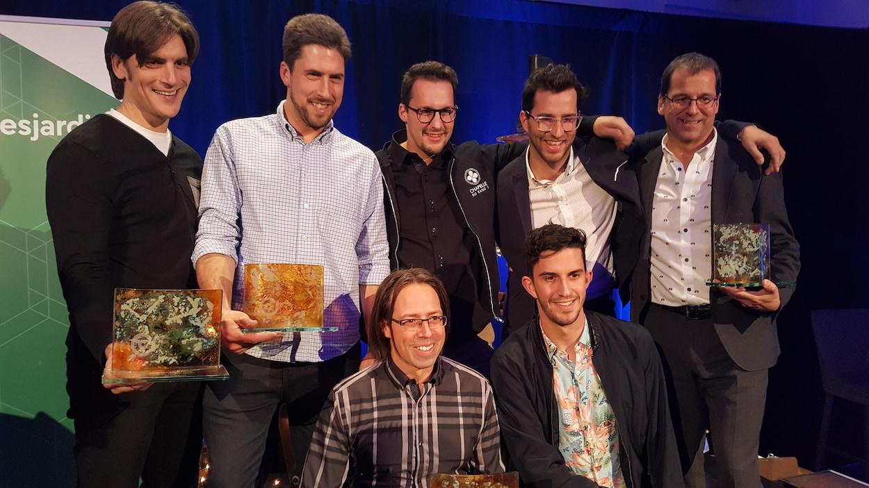 Les gagnants des prix du Conseil de la culture de l'Estrie 2018: Jean-François Létourneau, David Goudreault, Jérôme Lavallée, Félix Lavallée, Stéphane Lavallée, Ian Fournier et Hubert Lavallée.