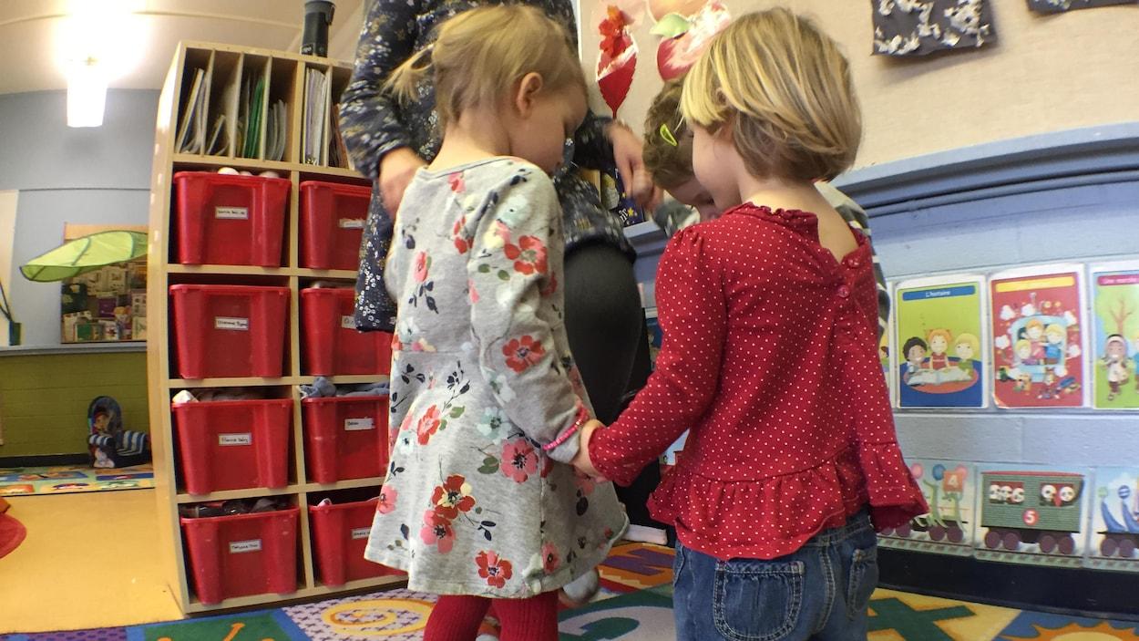 Des enfants dans une garderie.