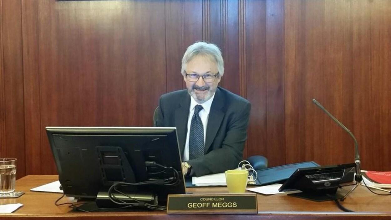 Le conseiller municipal de vancouver geoff meggs chef de cabinet de john horgan ici radio - Chef de cabinet du premier ministre ...