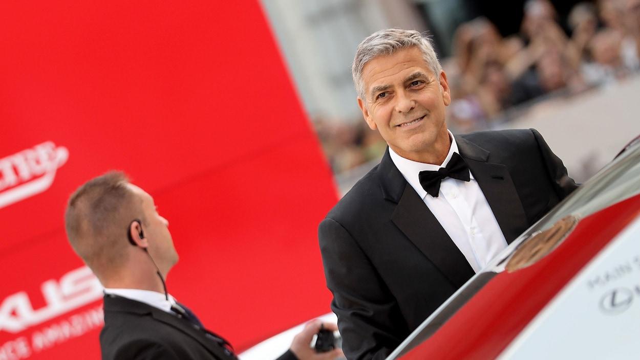 George Clooney a donné un million de dollars à chacun de ses 14 amis les plus proches