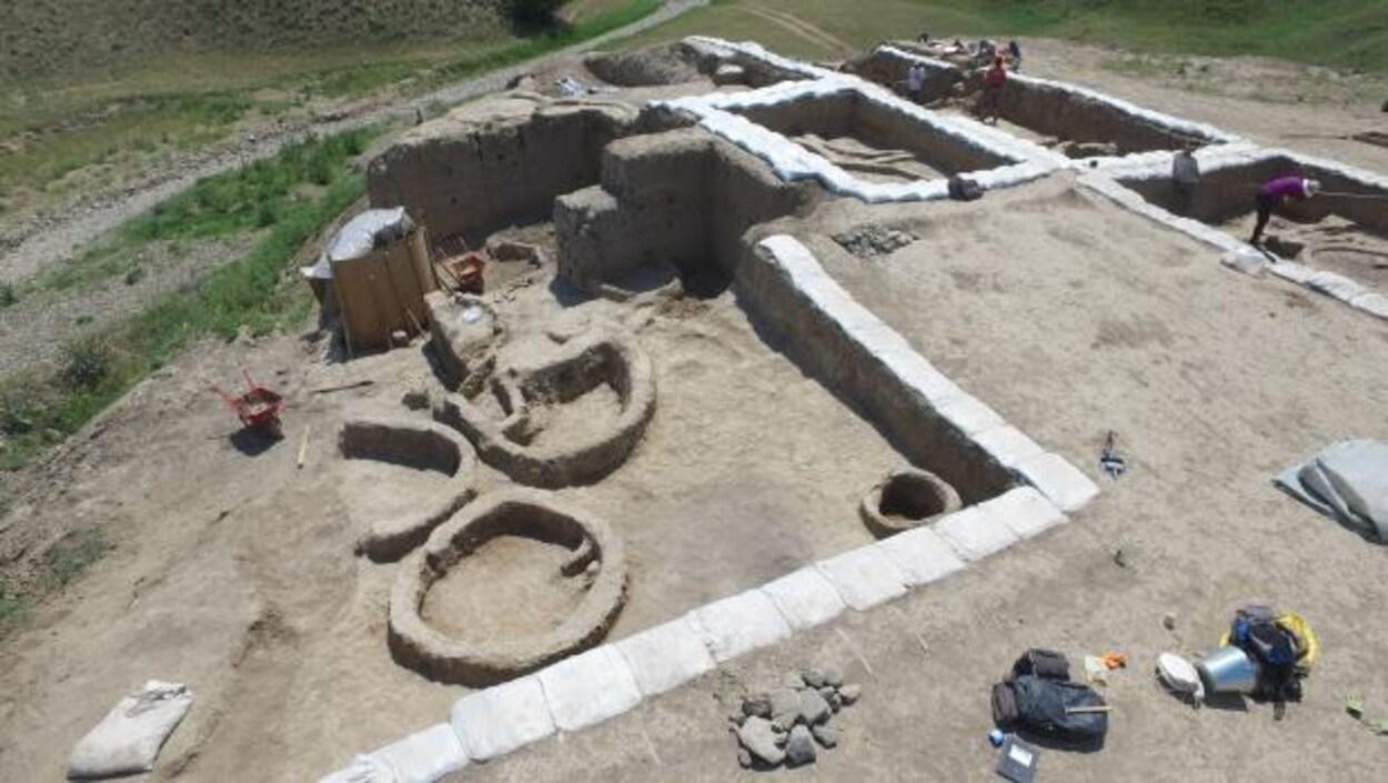 Le site archéologique de Gadachrili Gora en Géorgie.