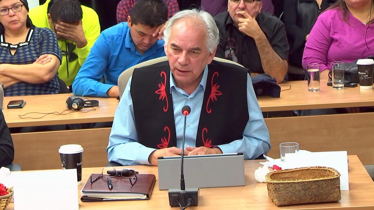 Ghislain Picard témoigne lors d'une commission d'enquête.