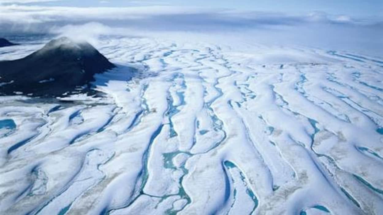 Photo prise par Roberta Bondar d'un glacier au parc national Quttinirpaaq, sur l'île d'Ellesmere, au Nunavut