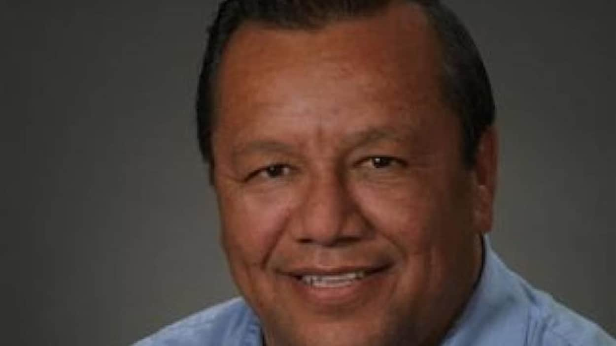 Glen Hare est le grand chef du conseil anichinabé.
