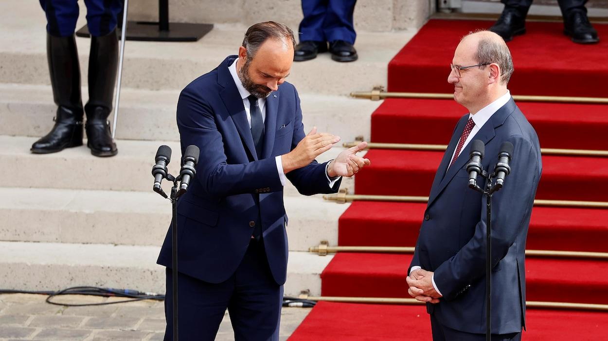 Le premier ministre démissionnaire Édouard Philippe et son remplaçant Jean Castex.