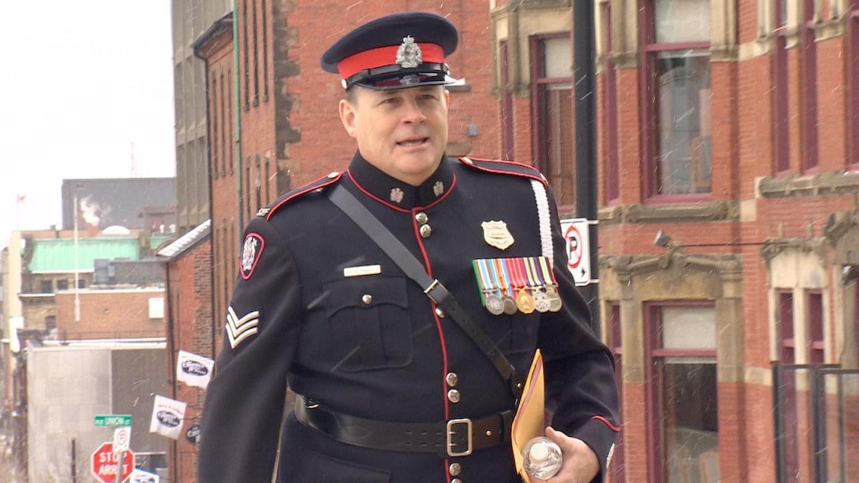 Le sergent Greg Oram lors de son arrivée au palais de justice de Saint-Jean.