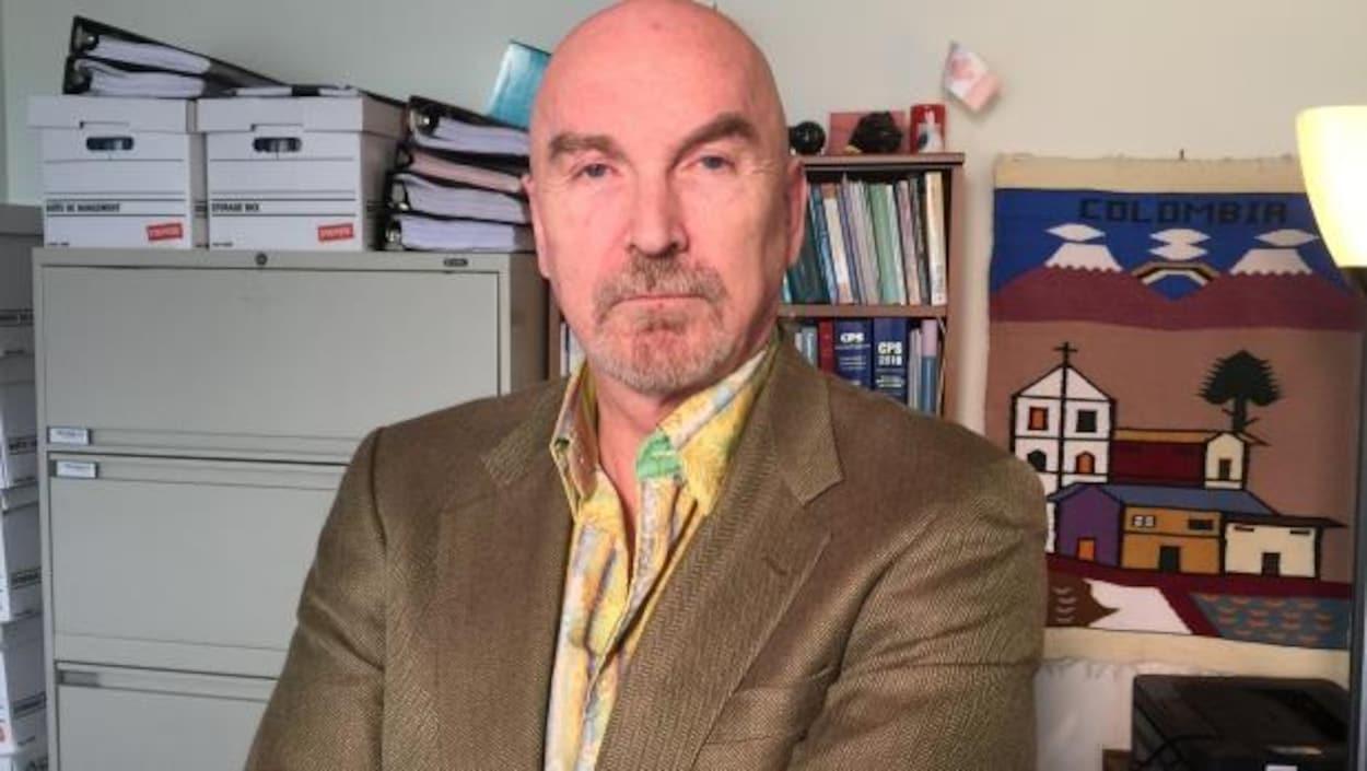 Le psychiatre Greg Passey dit avoir été intimidé par des cadres de la Gendarmerie royale du Canada qui lui ont rendu visite l'automne dernier.