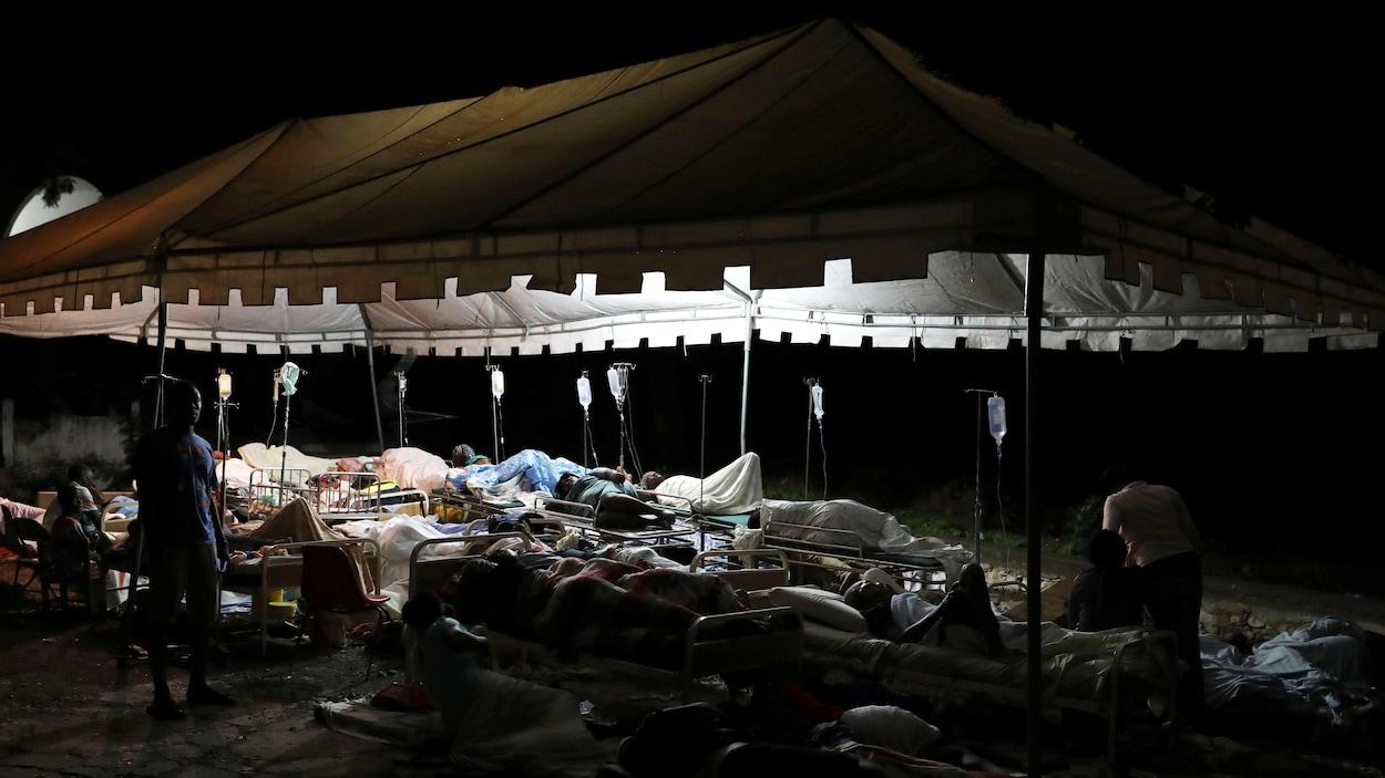 Le bilan du tremblement de terre à Haïti passe à 15 morts et 333 blessés