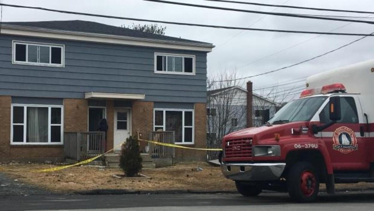 Trois personnes ont péri dans l'incendie de cette résidence le 3 mars à Lower Sackville.