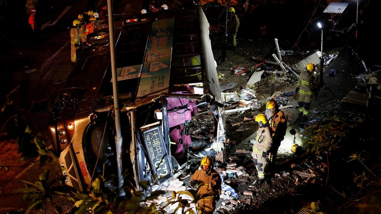 Hong Kong : 19 morts et 60 blessés dans un accident de bus