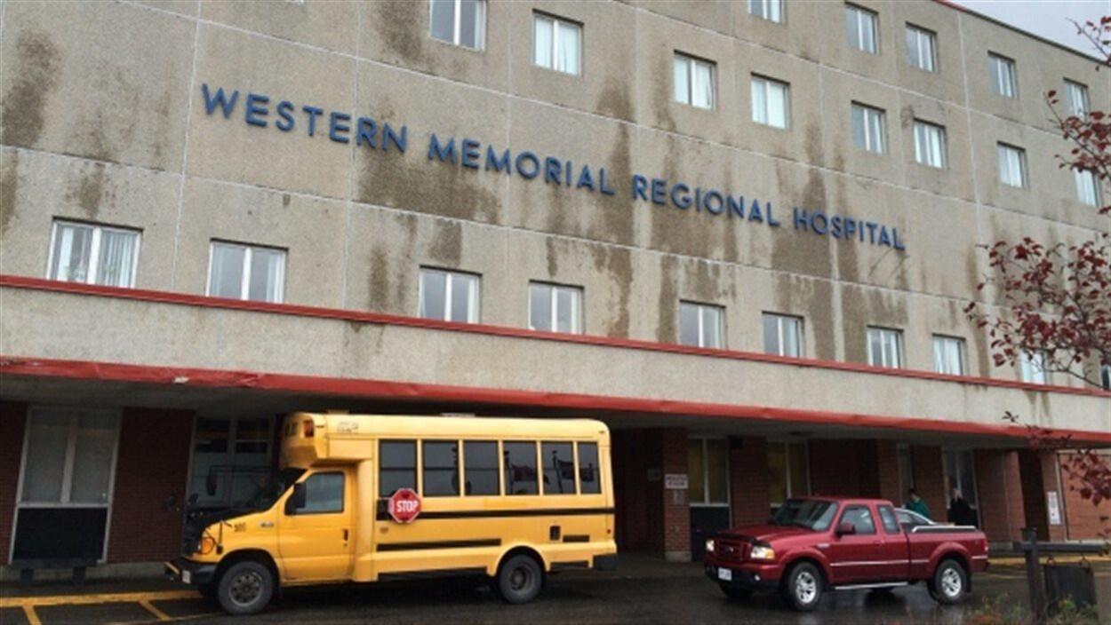 L'entrée de l'hôpital Western Memorial, à Corner Brook.