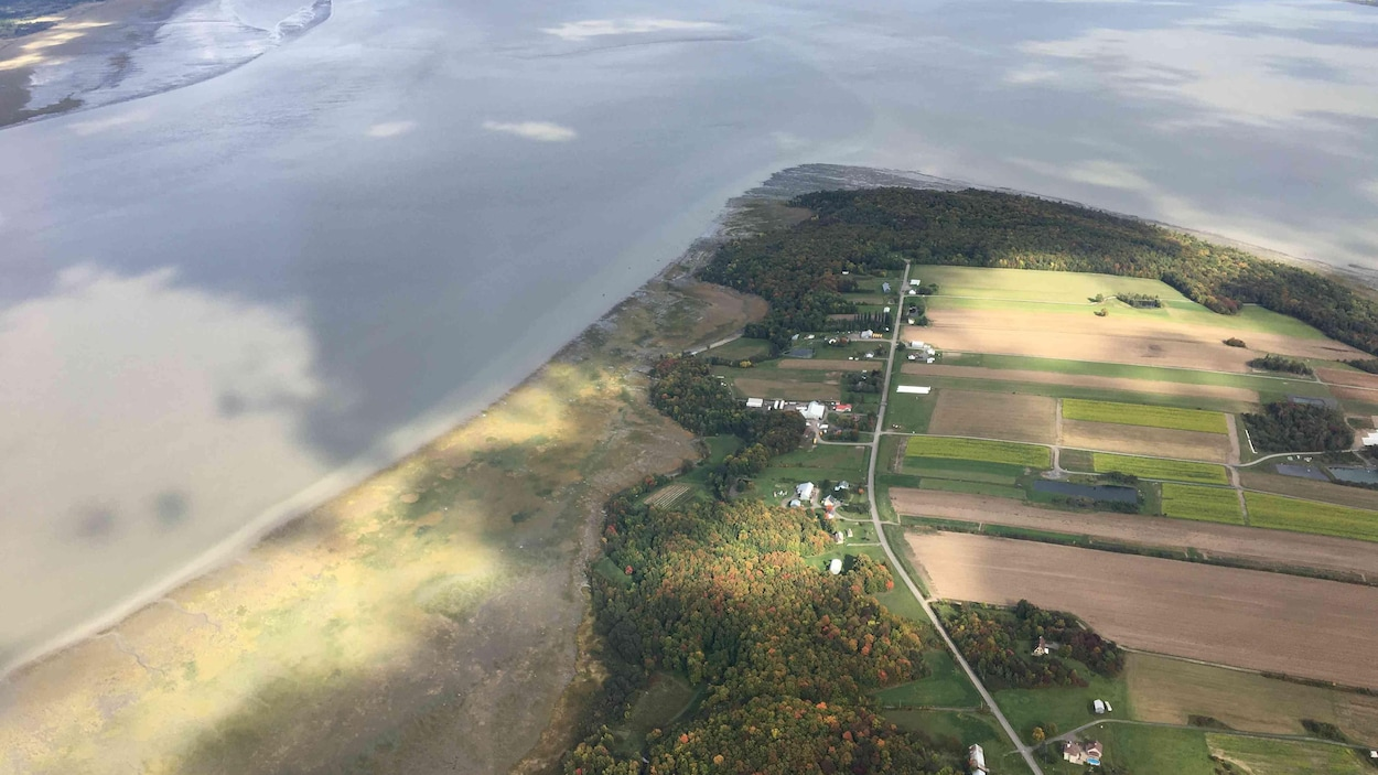 Le terrain de la Pointe d'Argentenay vu du haut des airs