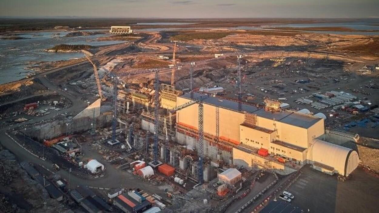 Un chantier de contruction d'une centrale hydroélectrique.