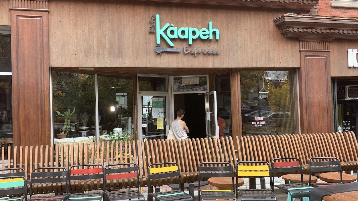 La façade du bistro Kàapeh Espresso