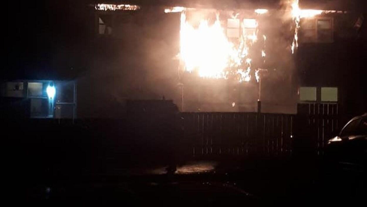 Un incendie à Dartmouth dans une maison en rangée
