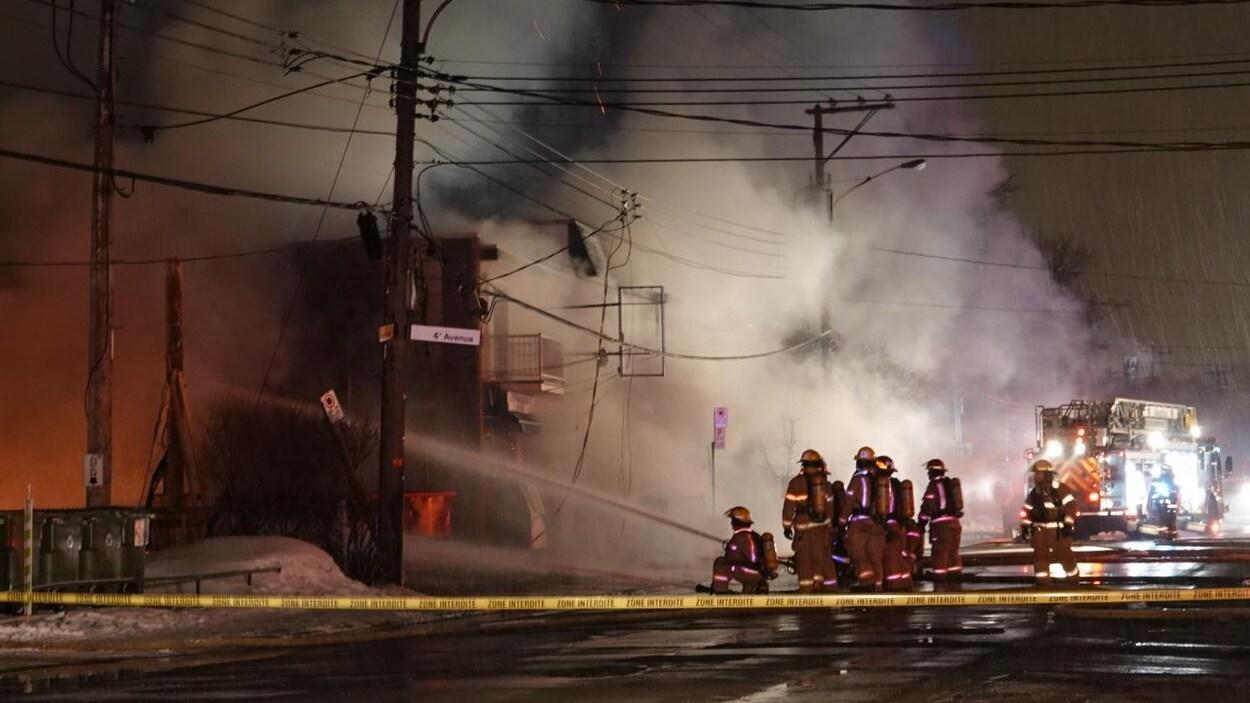 Incendie dans un immeuble en construction de Pointe-aux-Trembles — Montréal