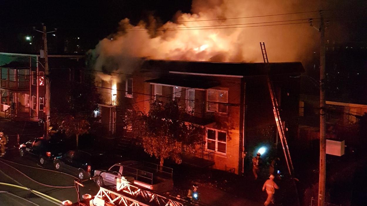 L'incendie s'est déclaré vers 22 h 45.