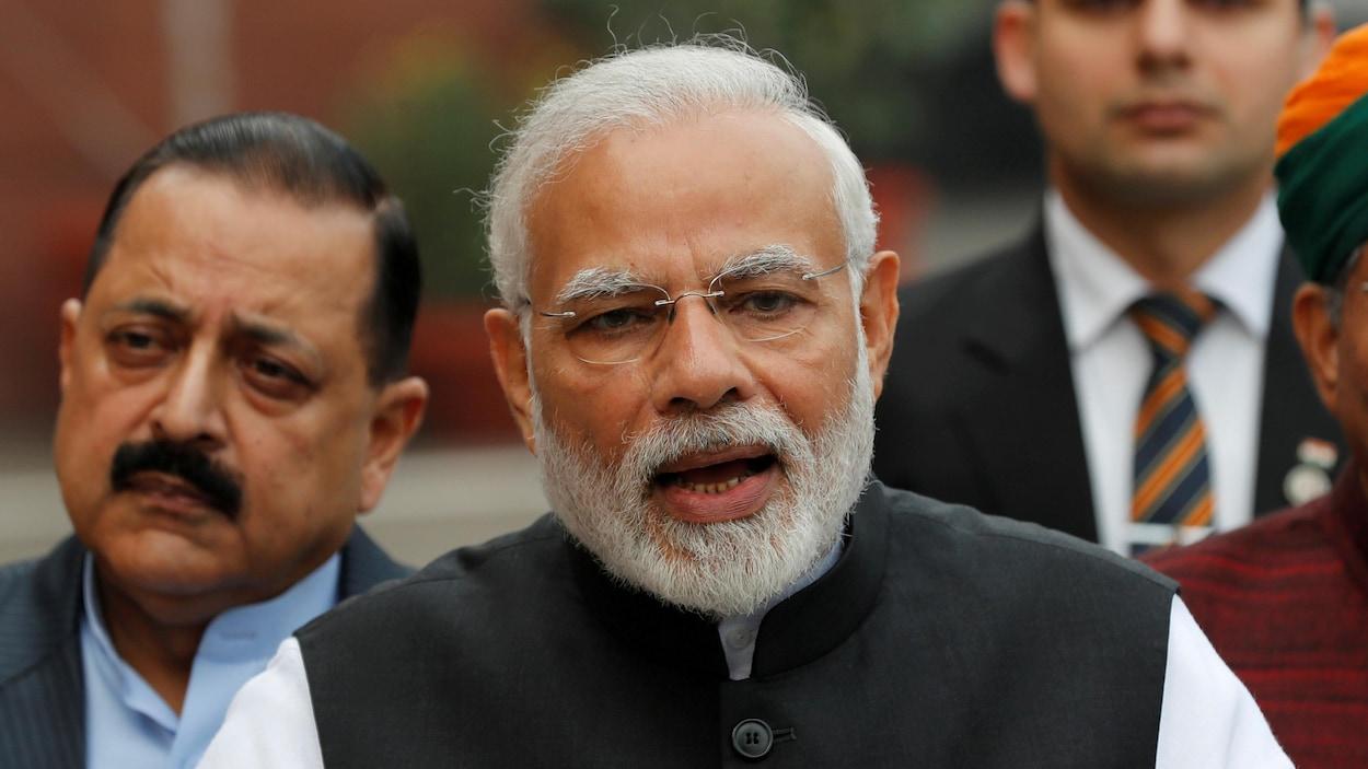 Une photo du premier ministre indien Narenda Modi, en train de prononcer une allocution.