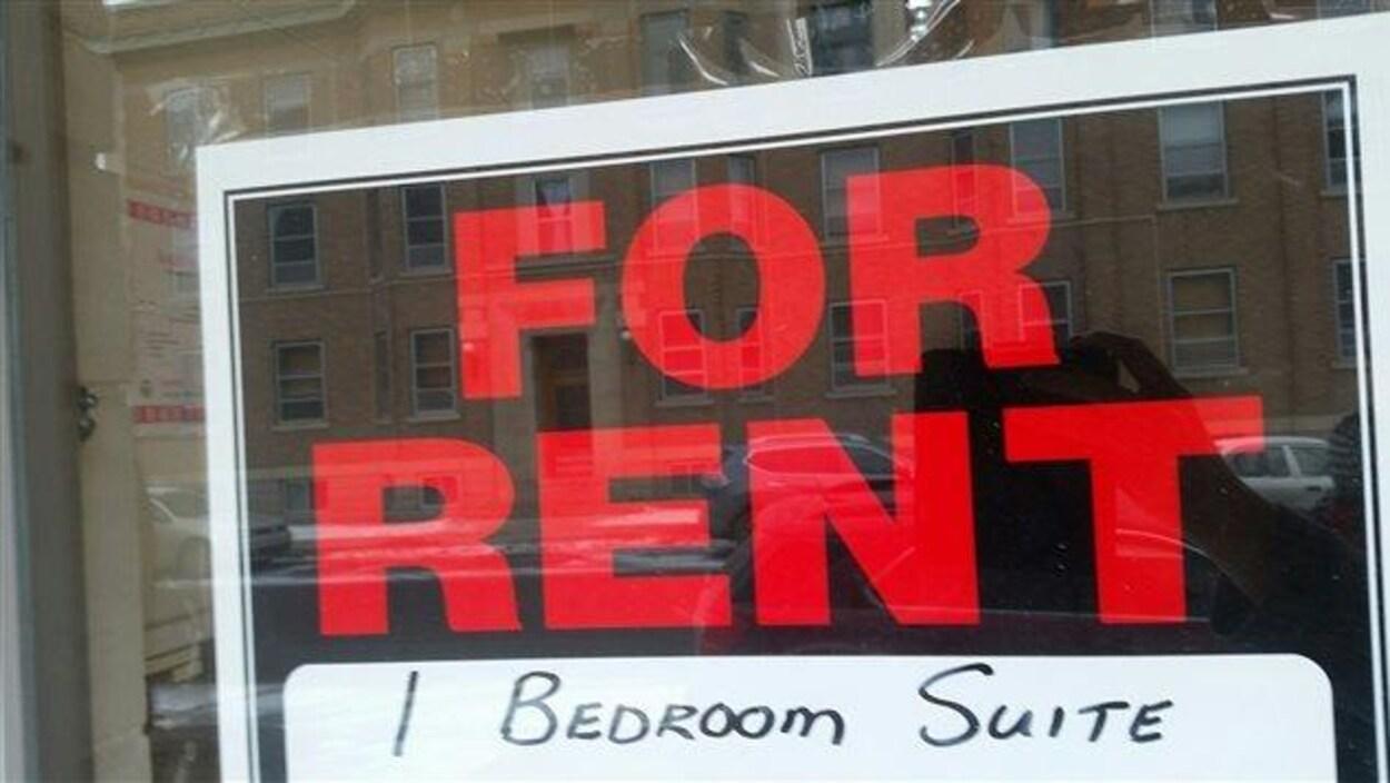 Photo d'une affiche pour un appartement d'une chambre à louer.