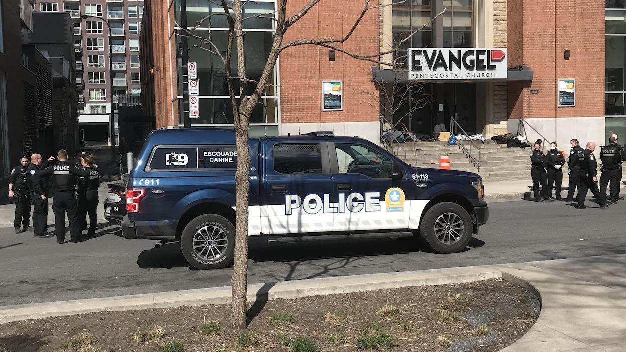 Une intervention policière au square Cabot à Montréal le 3 mai a été dénoncée auprès du Service de police de la Ville de Montréal (SPVM).