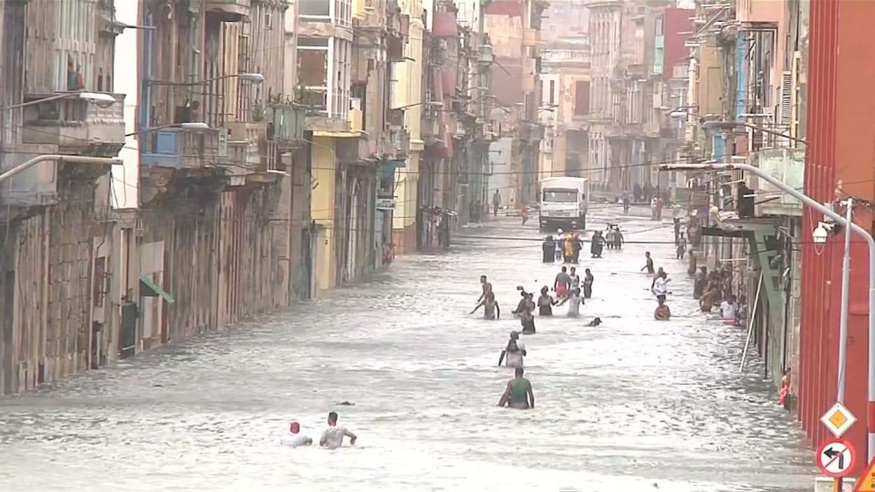 Des rues de La Havane inondées après le passage de l'ouragan Irma.