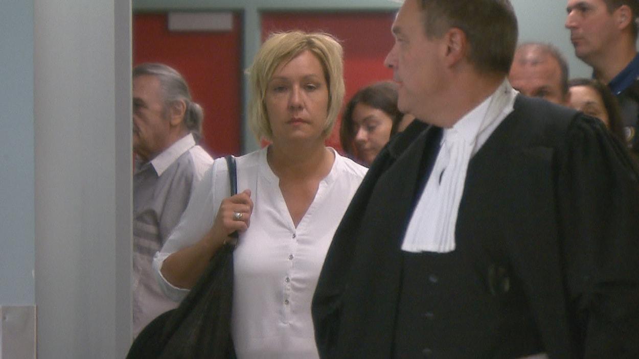 Isabelle Morin est accusée de conduite dangereuse causant la mort d'un motocycliste sur l'autoroute Laurentienne.