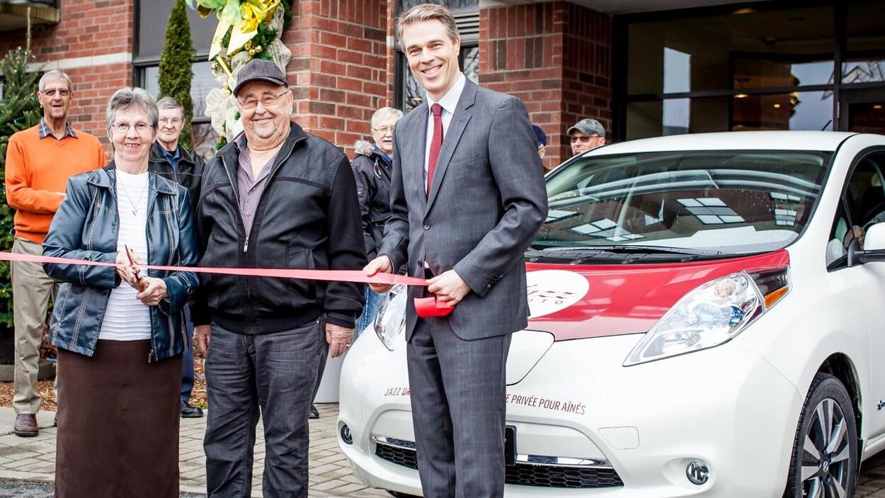 Inauguration du service d'autopartage avec un véhicule électrique à la Résidence Jazz de Drummondville