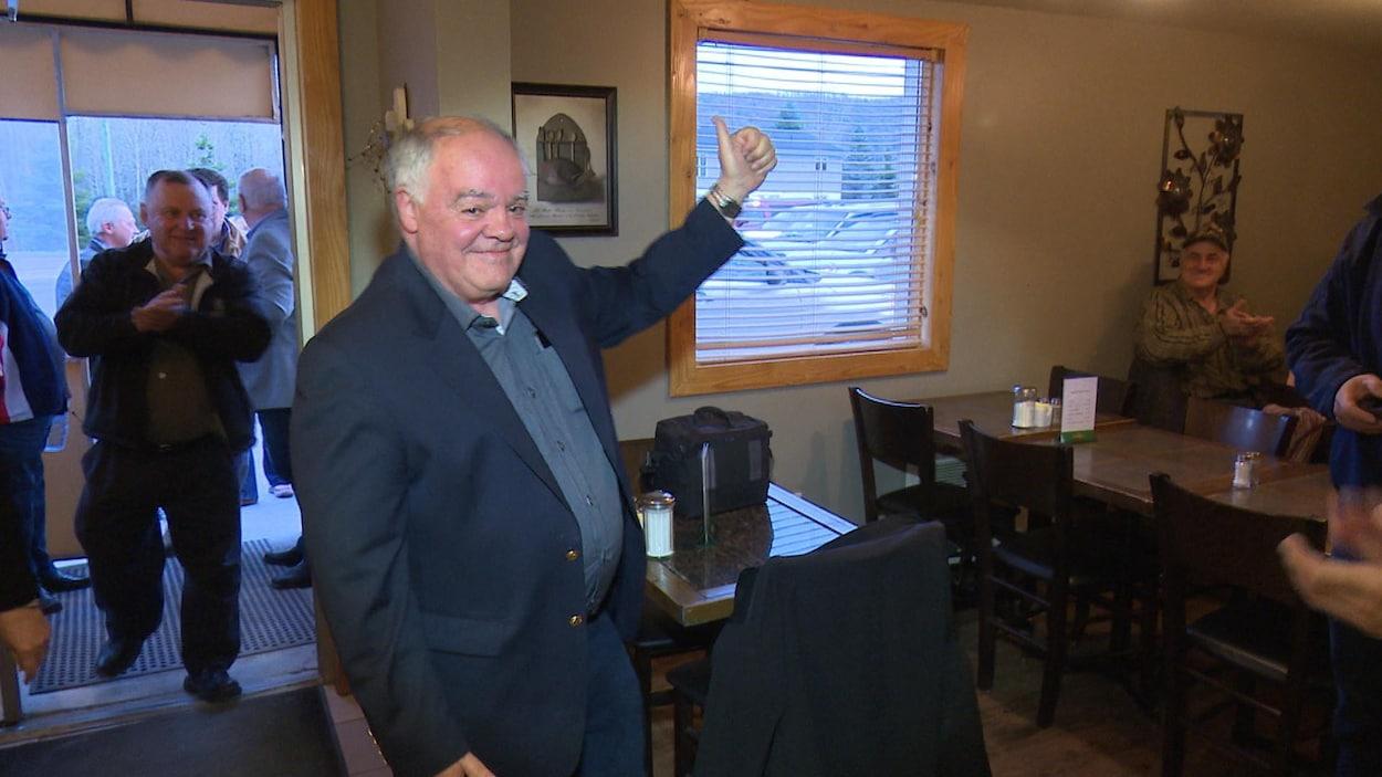 Jean-Pierre Ouellet est élu comme premier maire de la Communauté rurale du Haut-Madawaska.