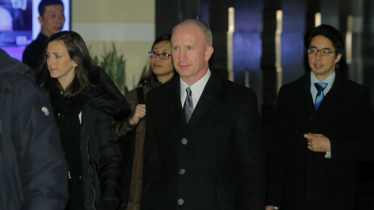 Le représentant adjoint américain pour le Commerce Jeffrey Gerrish à sa sortie d'un hôtel de Pékin.