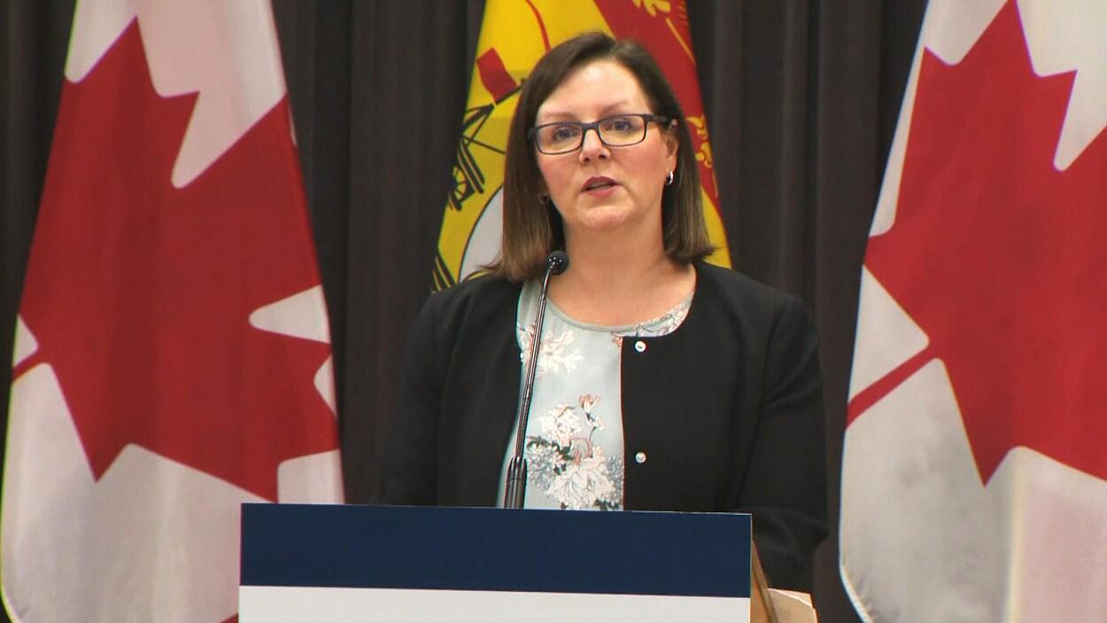 La Dre Jennifer Russell s'est adressée aux Néo-Brunswickois le vendredi 20 mars à 14 h 30 lors d'un point de presse quotidien sur l'évolution de la COVID-19 dans la province.