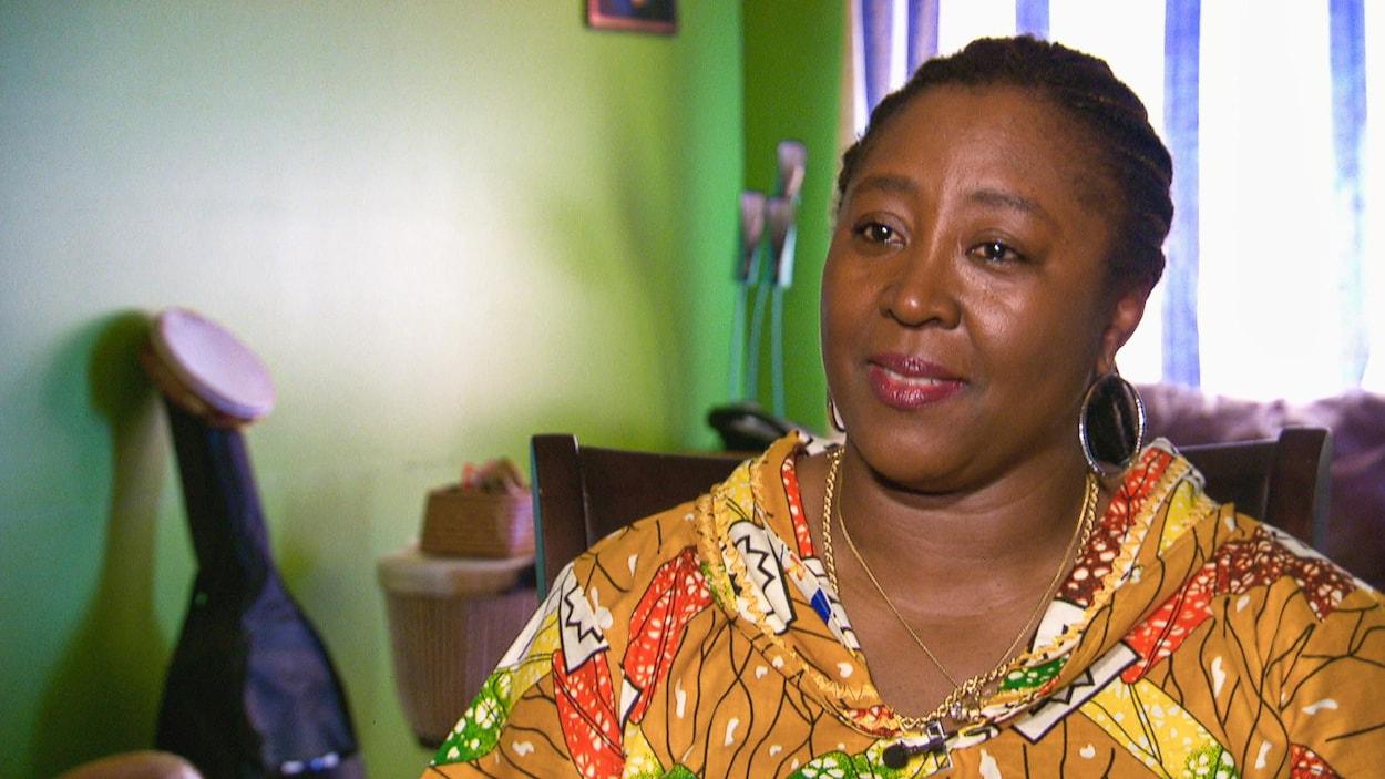 Jerryne Mahele Nyota en entrevue.