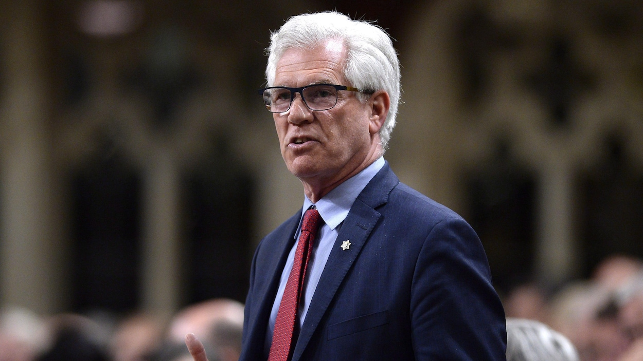 Le ministre de la Diversification du commerce international, Jim Carr