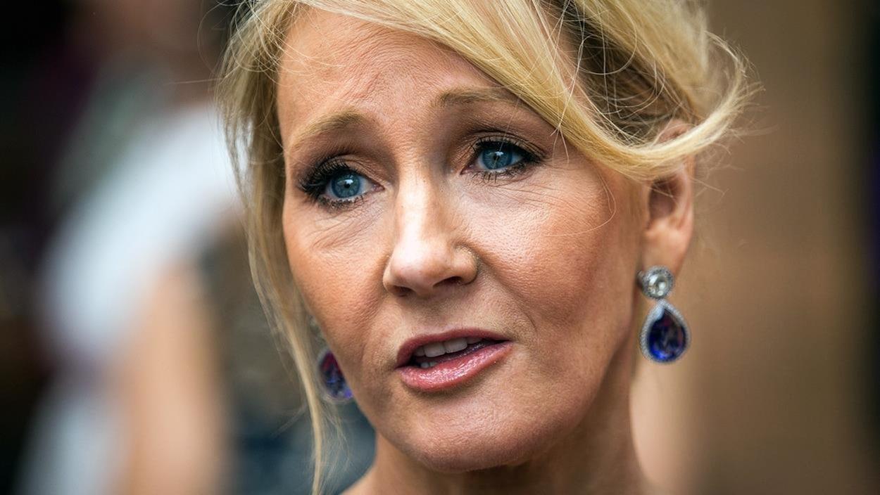 L'autrice J. K. Rowling.
