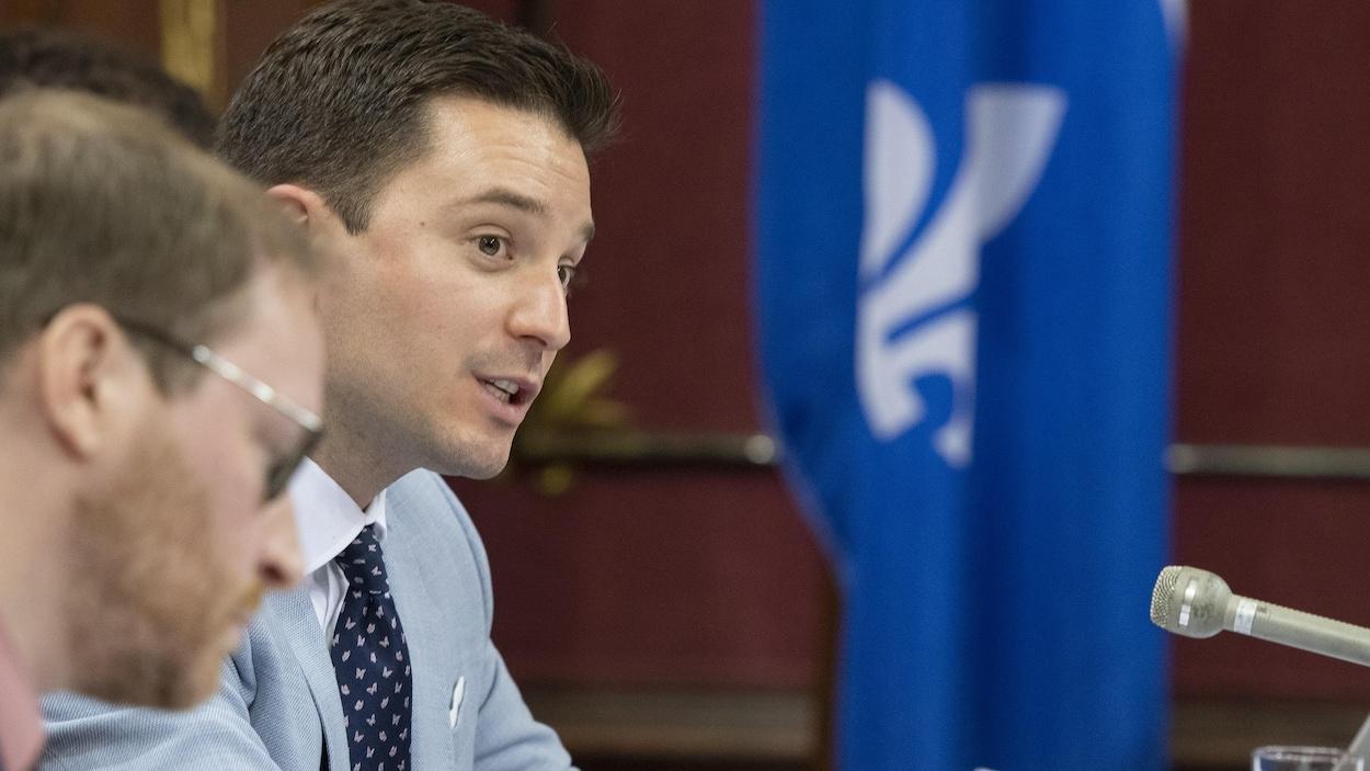 Le ministre Jolin-Barrette, prenant la parole lors des travaux de la commission parlementaire des institutions consacrés au projet de loi sur la laïcité.