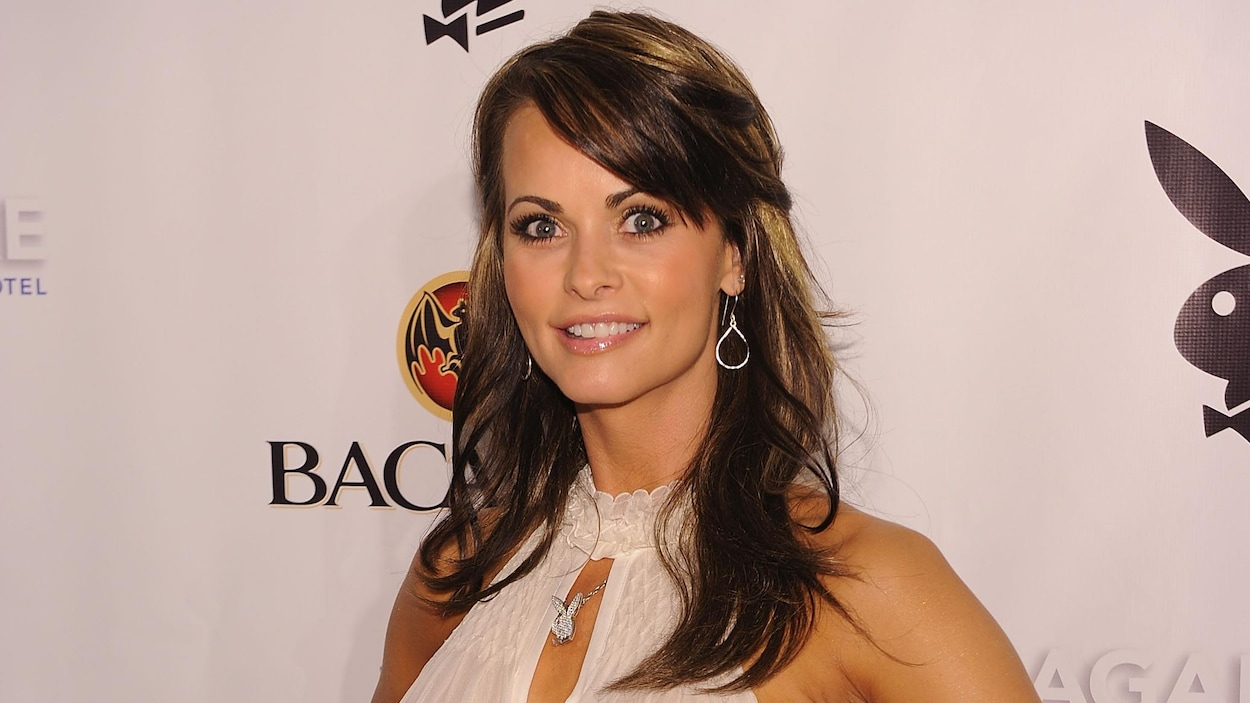 Karen McDougal en 2010 à une fête du magazine Playboy. Elle porte plainte contre Donald Trump.