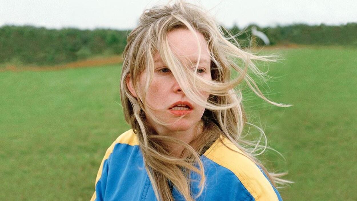 Sur l'image on voit une personne dans l'une des scènes du film Anne at 13,000 ft.