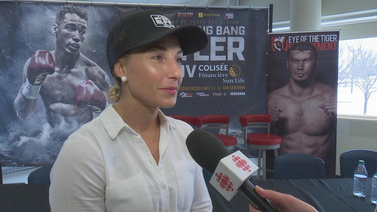 La boxeuse Kim Clavel en entrevue