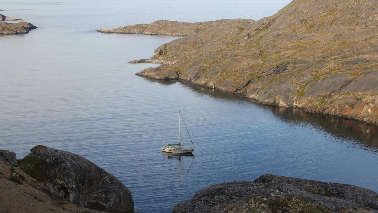 Le voilier Kiwi Roa près du Groenland.