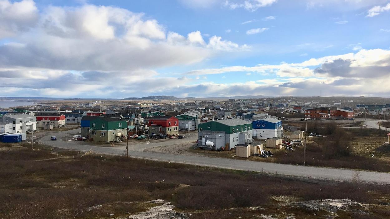 Le village nordique de Kuujjuaq, au Nunavik, dans le Nord du Québec.